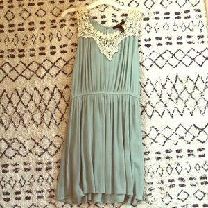 Forever 21 soft green dress with lace